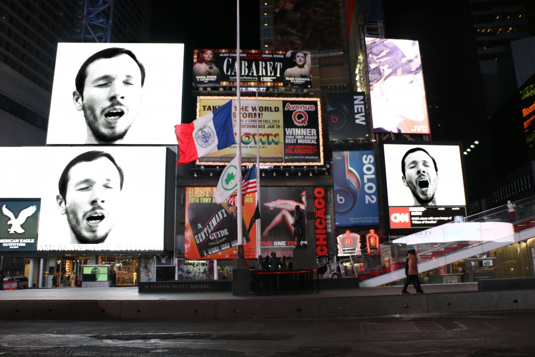 baillement-times-square-new-york-03