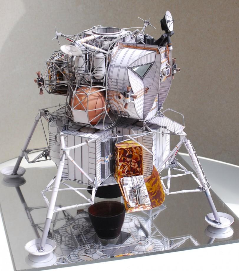 maquqette-vaisseau-spatial-papier-patron-01