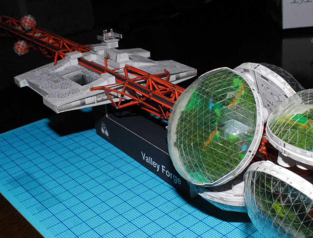 maquqette-vaisseau-spatial-papier-patron-18