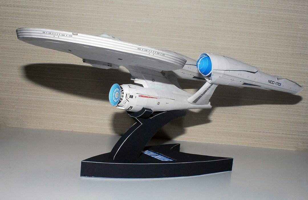 maquqette-vaisseau-spatial-papier-patron-20