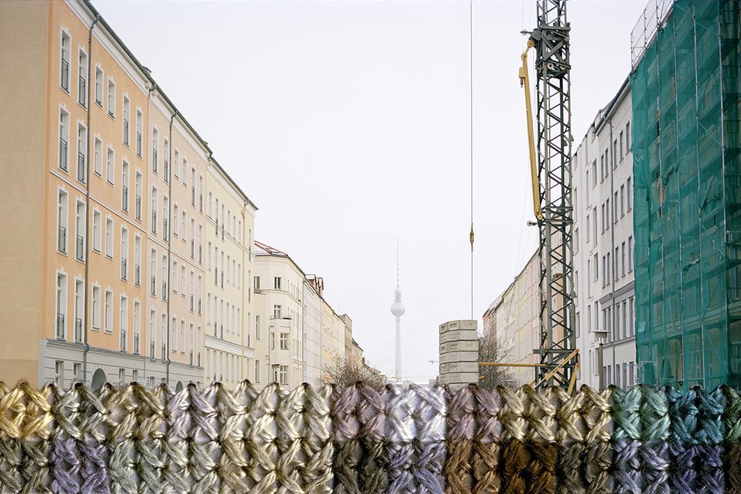 mur-berlin-brode-02