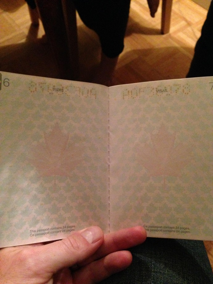 passeport-canada-uv-noire-lumiere-02