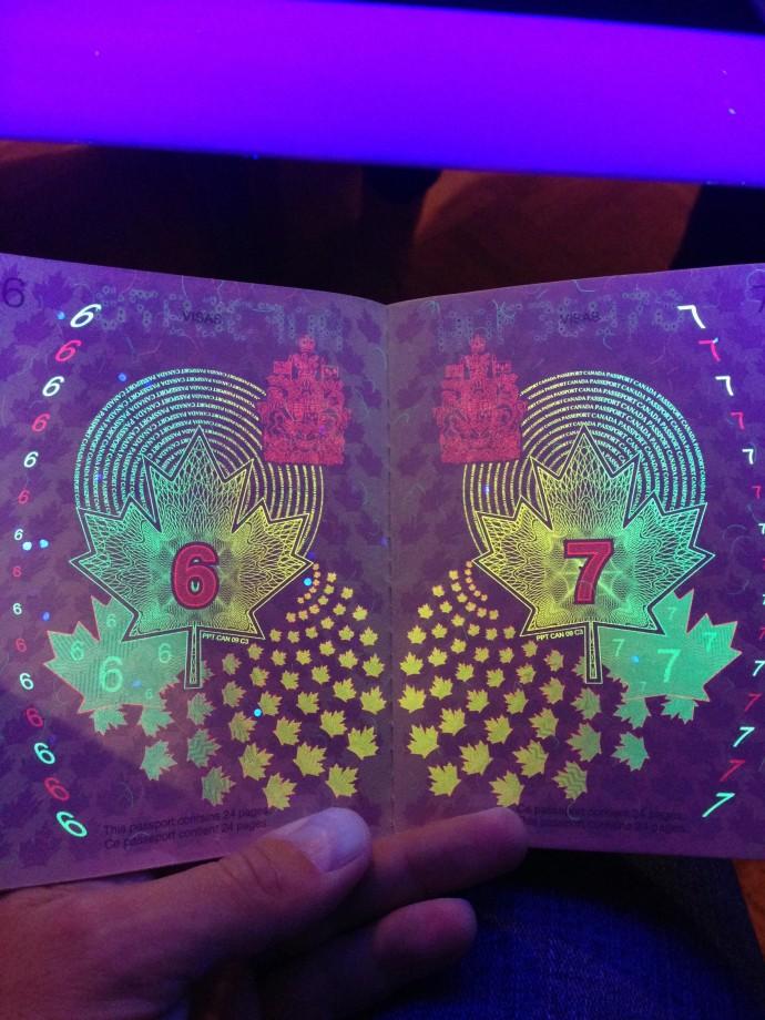 passeport-canada-uv-noire-lumiere-03
