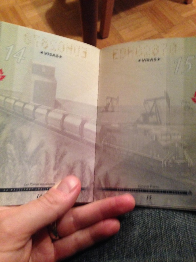 passeport-canada-uv-noire-lumiere-06