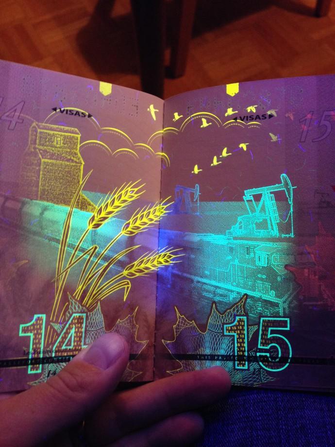 passeport-canada-uv-noire-lumiere-07
