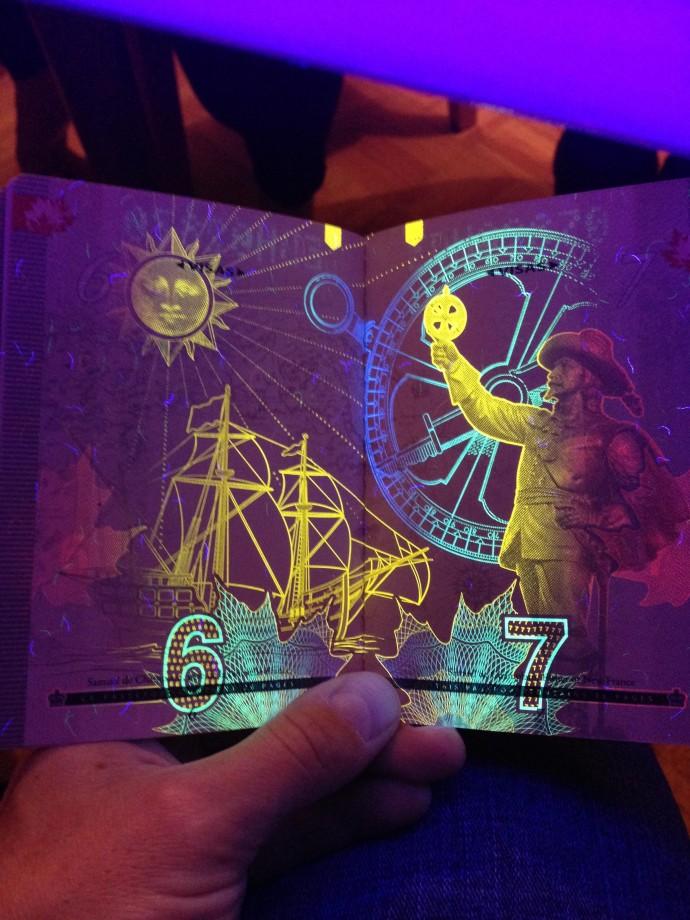 passeport-canada-uv-noire-lumiere-11