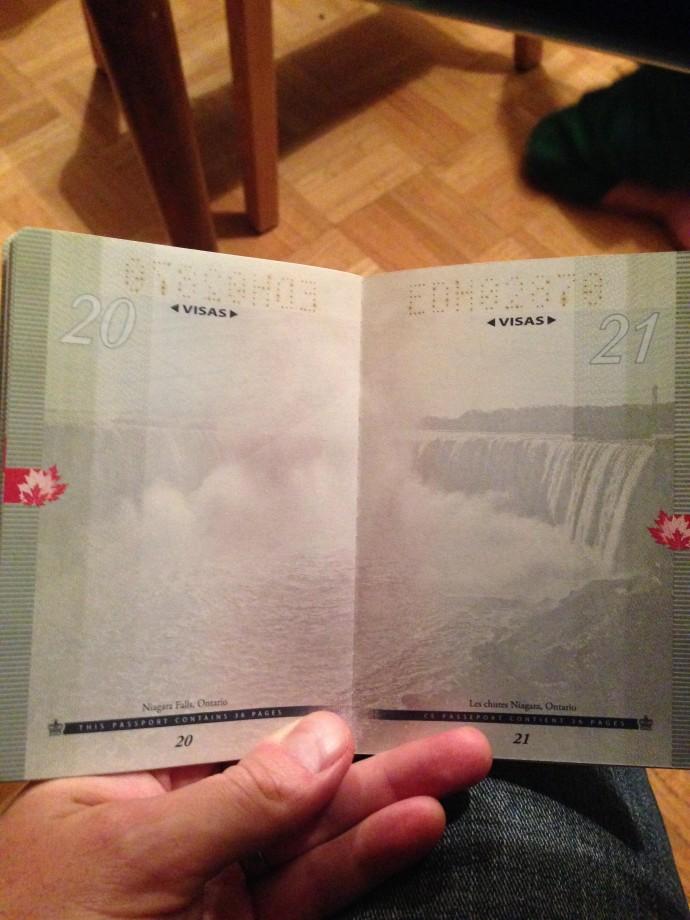 passeport-canada-uv-noire-lumiere-12