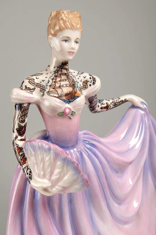 poupe-porcelaine-tatouage-06 - La boite verte