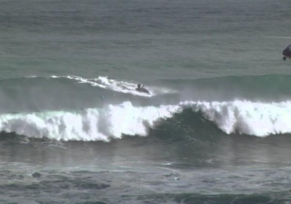 Surfez au dessus des vagues