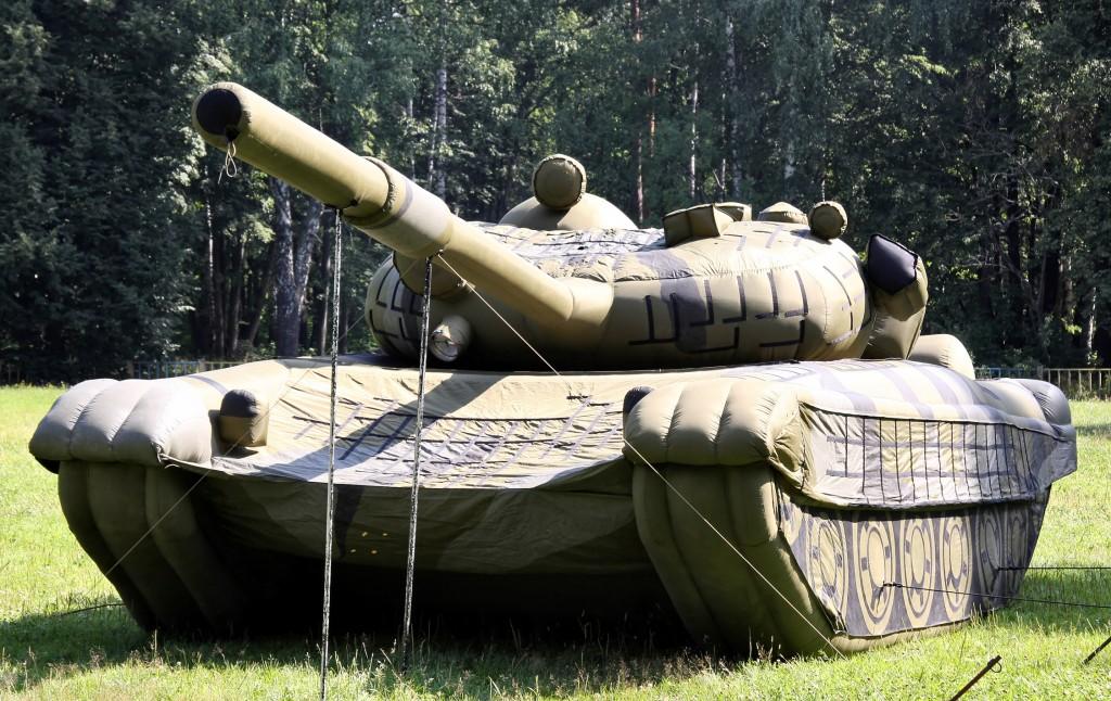 tank-gonflable-moderne-01