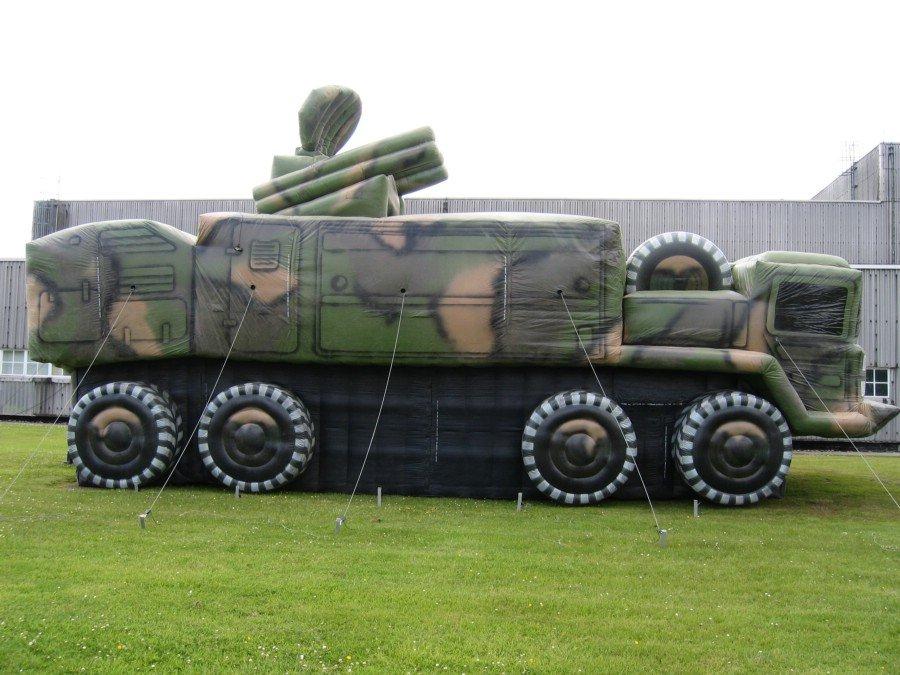 tank-gonflable-moderne-02