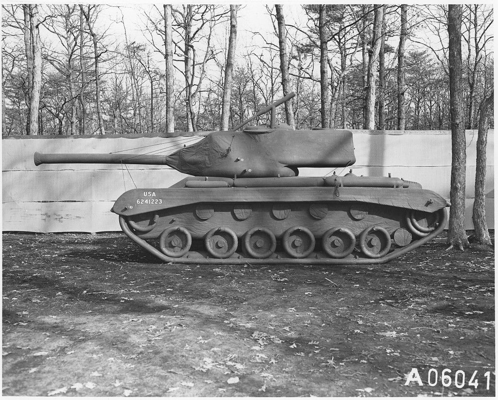 tank-gonflable-seconde-guerre-mondiale-04