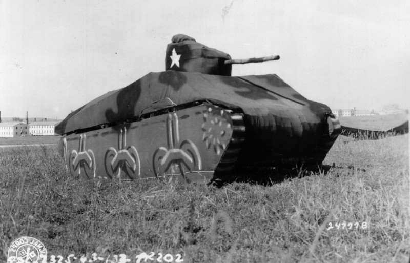 tank-gonflable-seconde-guerre-mondiale-06
