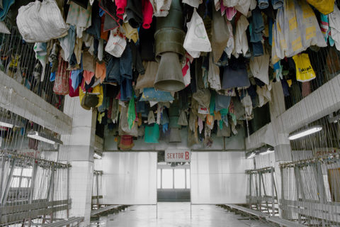 vestiaire-mine-plafond-pologne-01