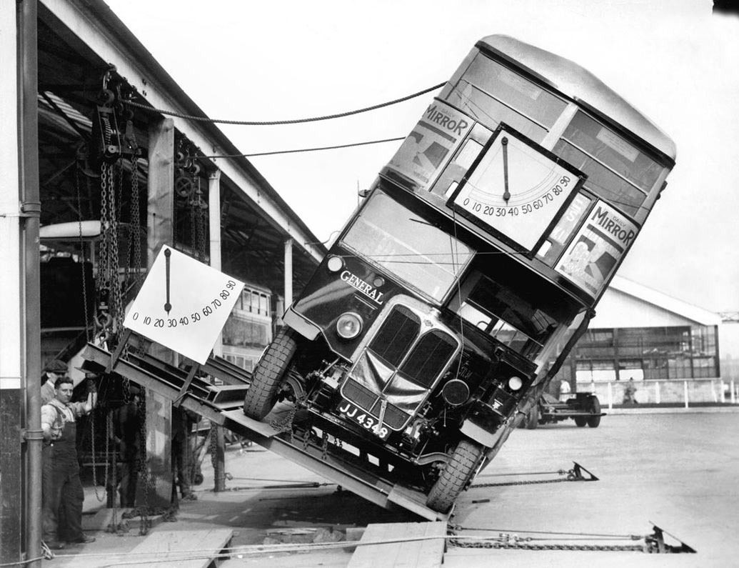 bus-anglais-test-renversement-01