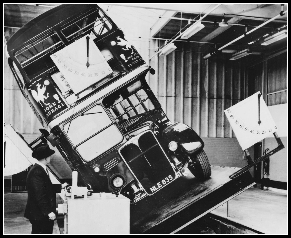 bus-anglais-test-renversement-02