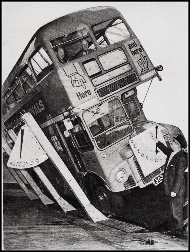 bus-anglais-test-renversement-03