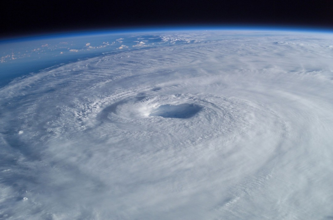 cyclone-ouragan-photo-espace-01