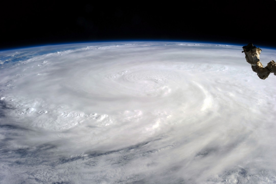 cyclone-ouragan-photo-espace-02