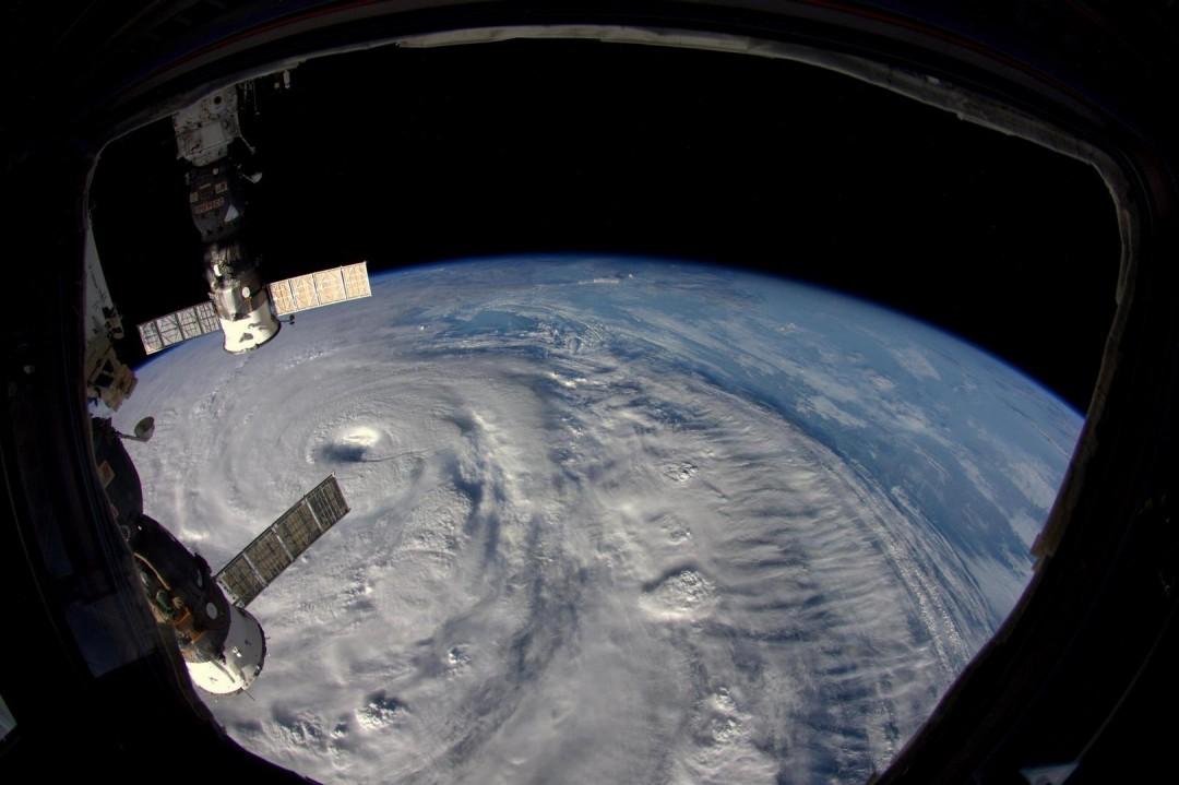 cyclone-ouragan-photo-espace-09