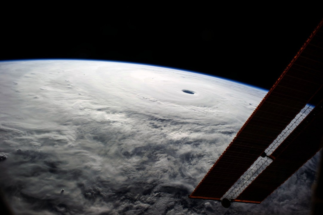 cyclone-ouragan-photo-espace-10