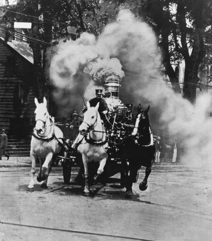 pompier-vapeur-cheval