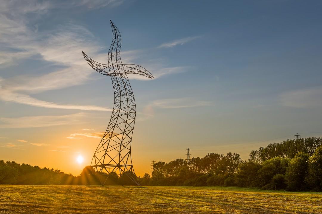 Un pylône électrique qui danse