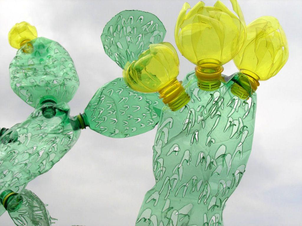 sculpture-bouteille-plastique-fondu-02