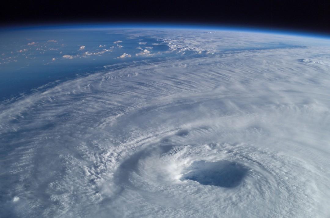 typhon-ouragan-photo-espace-05