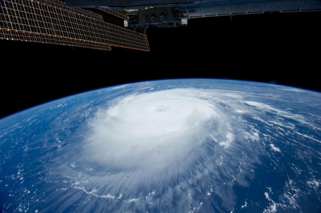 typhon-ouragan-photo-espace-06