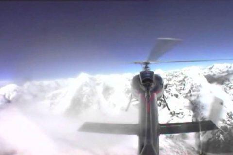 Un hélicoptère au sommet de l'Everest