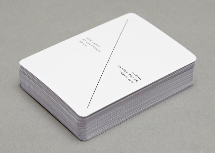 carte-jeu-minimaliste-bleu-03