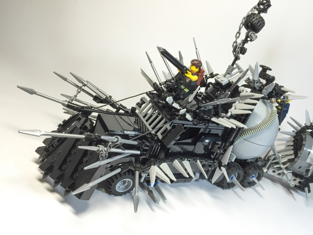 mad-max-fury-road-lego-01