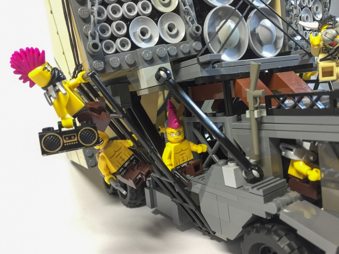 mad-max-fury-road-lego-04