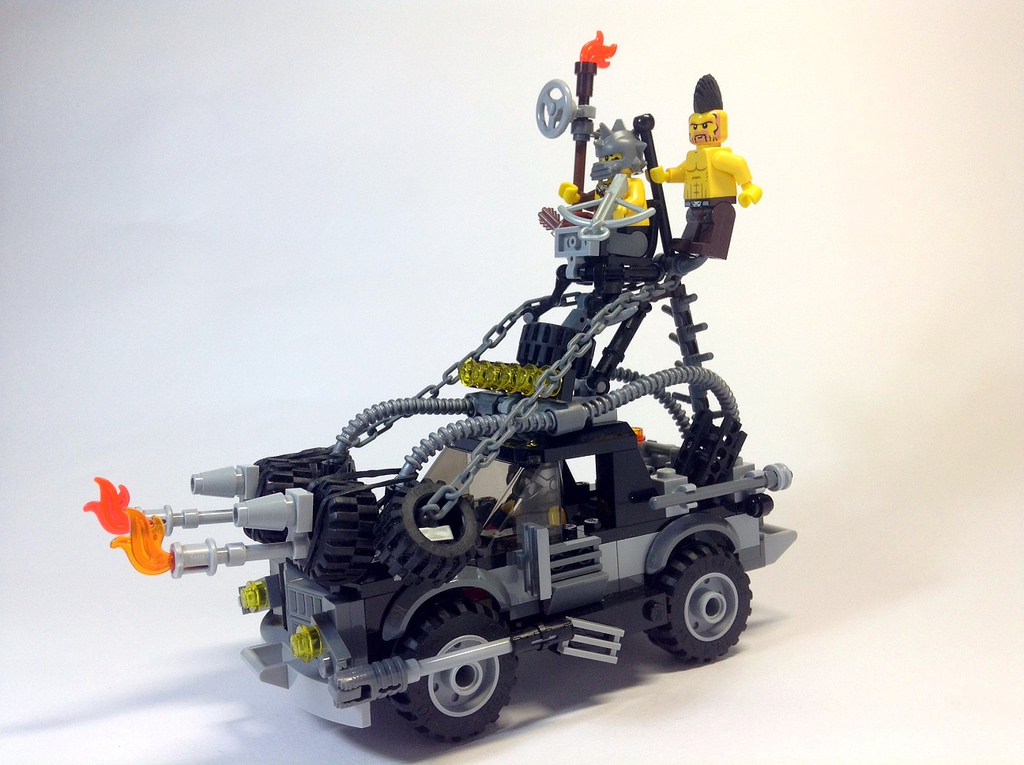mad-max-fury-road-lego-09