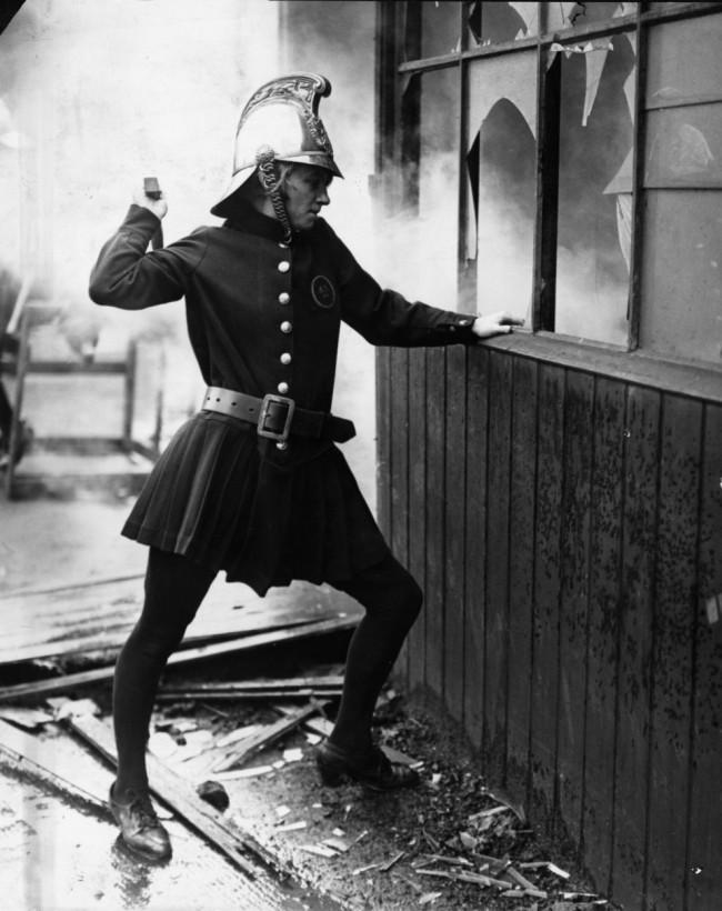 pompier femme Achille Serre Ladies londres