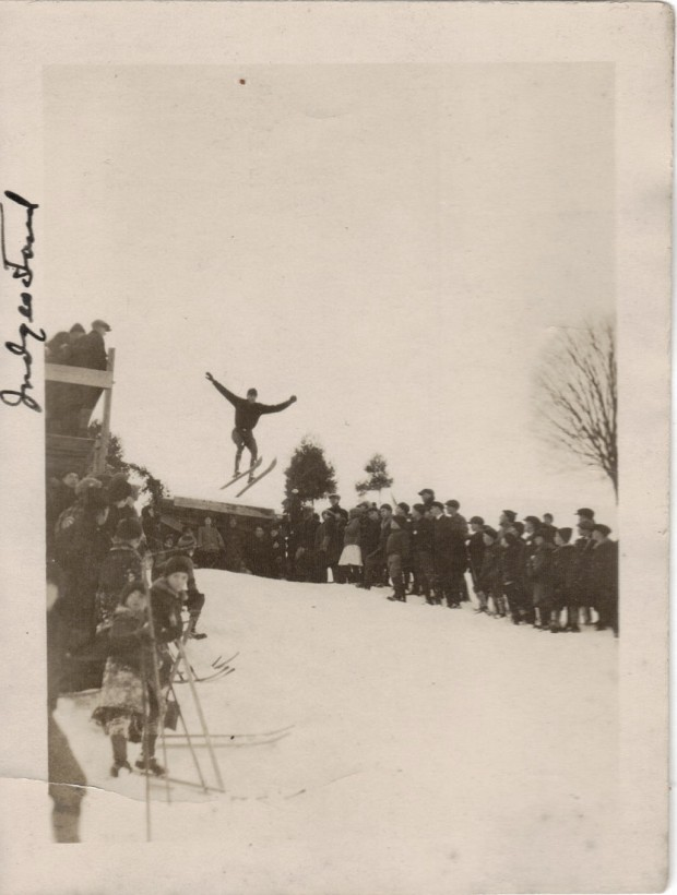 stunt-cascade-performance-ancien-vintage-04
