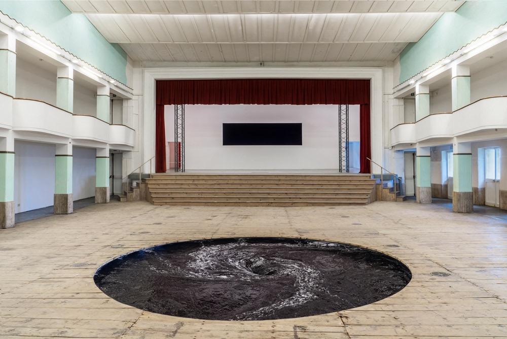 tourbillon-kapoor-theatre-02