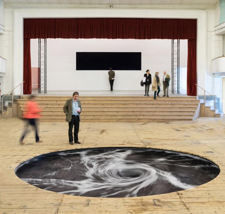 tourbillon-kapoor-theatre-04