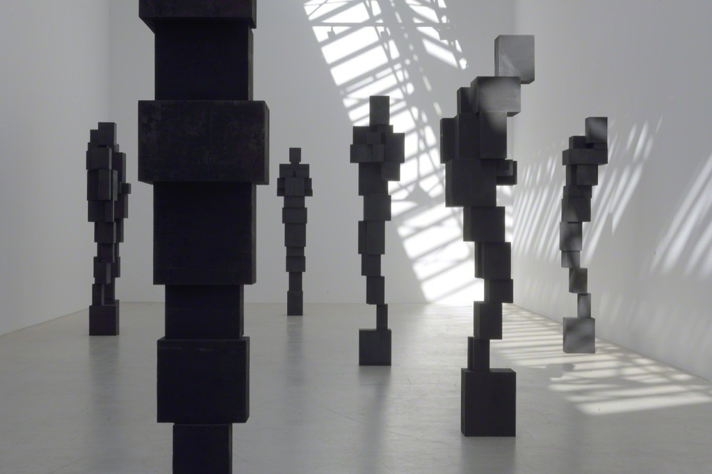 Antony-Gormley-corps-cube-01