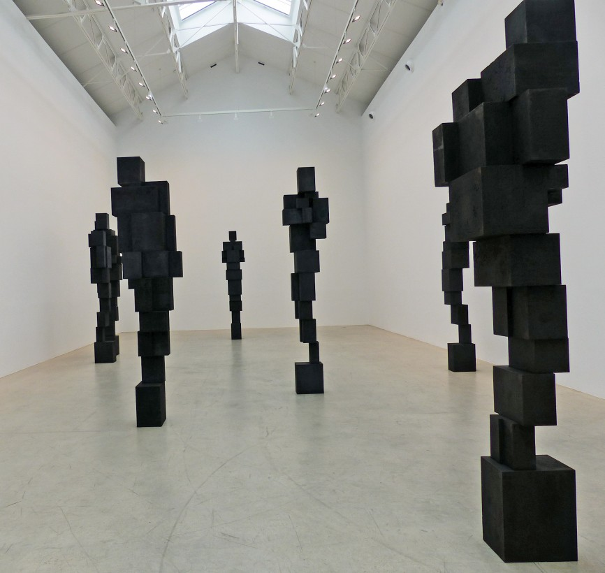 Antony-Gormley-corps-cube-06