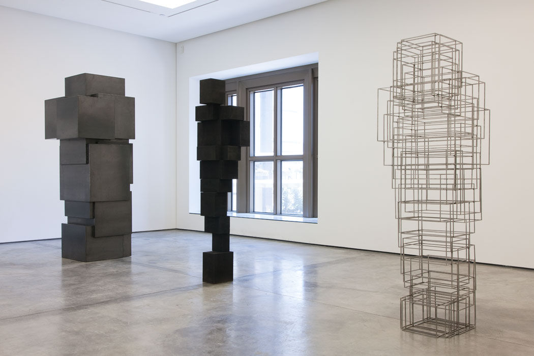 Antony-Gormley-corps-cube-08