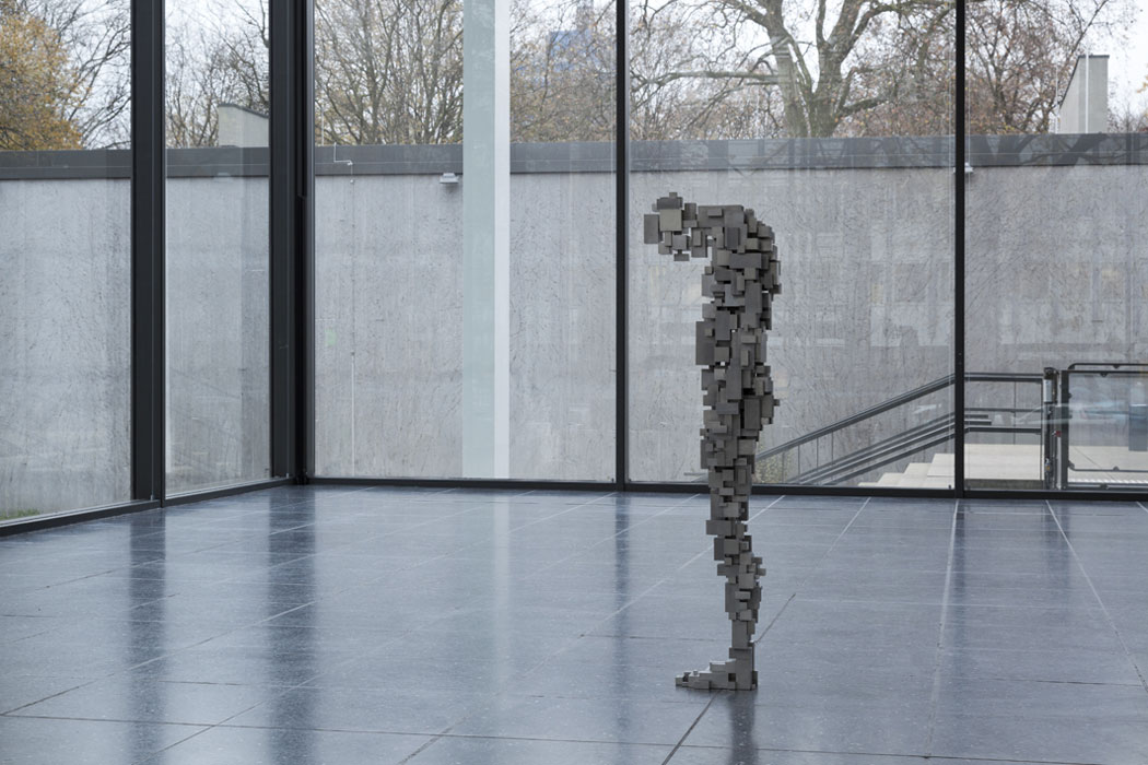Antony-Gormley-corps-cube-09