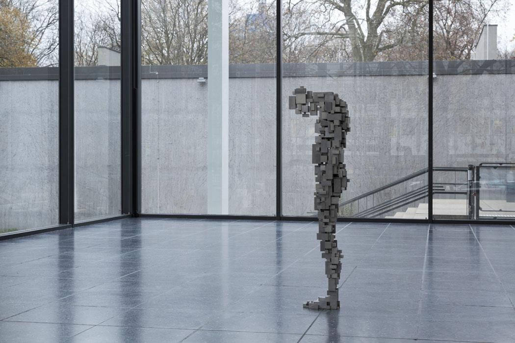 Antony-Gormley-corps-cube-09