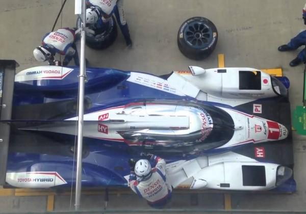 Comparaison des arrets aux stands dans les sports automobiles