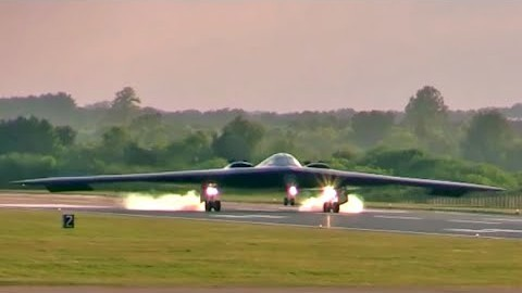 Des atterrissages de B-2 Stealth Bomber