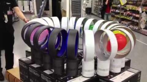 Des ballons pris dans une boucle infinie de ventilateurs