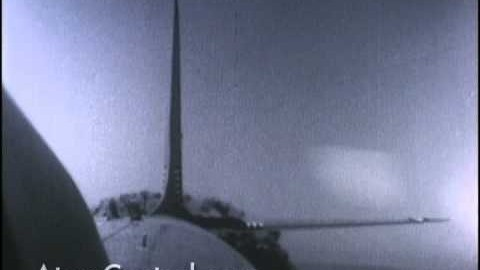 L'effet du bombe atomique sur un avion en vol