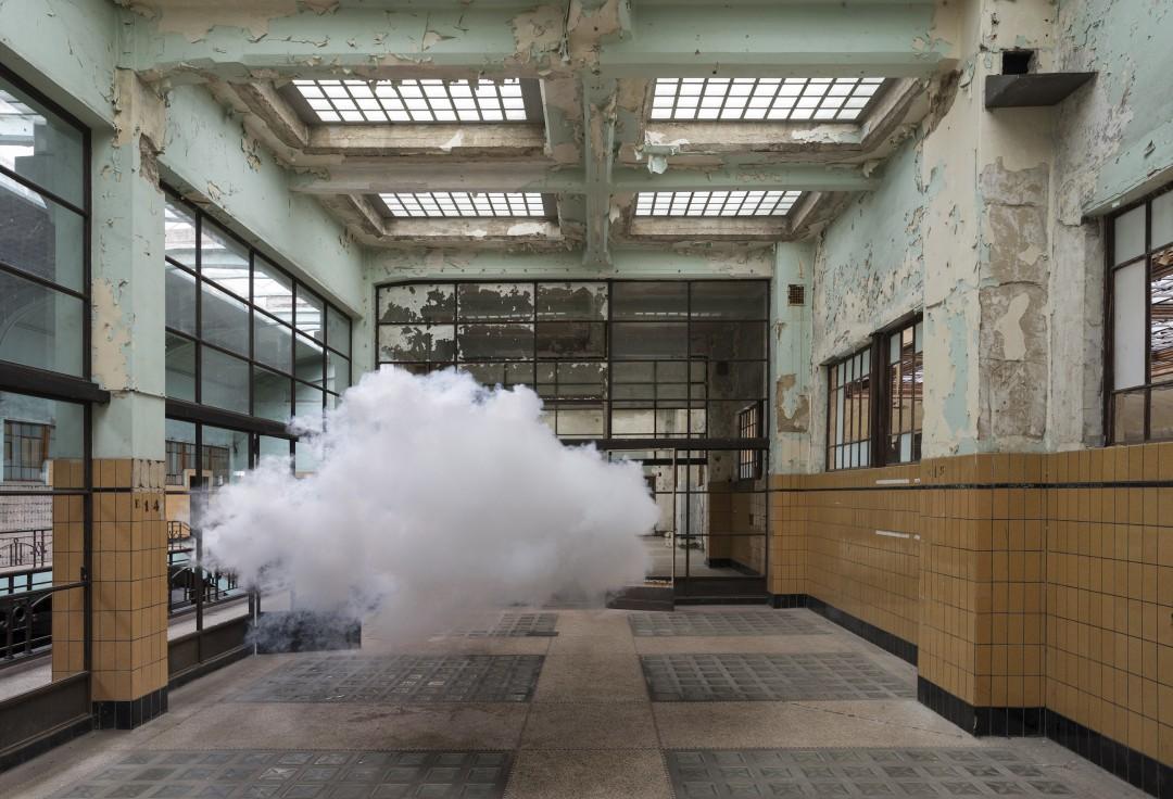 nuage-interieur-Berndnaut-Smilde-09