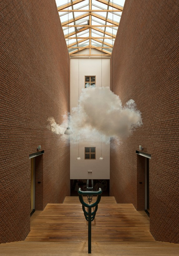 nuage-interieur-Berndnaut-Smilde-11